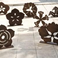 01. Κορνήλιος Γραμμένος, Τα 7 λουλούδια, cor-ten steel, h68cm (max), 2009